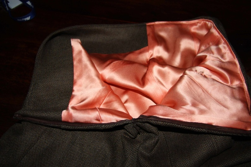 V8543 Vogue Skirt Insides